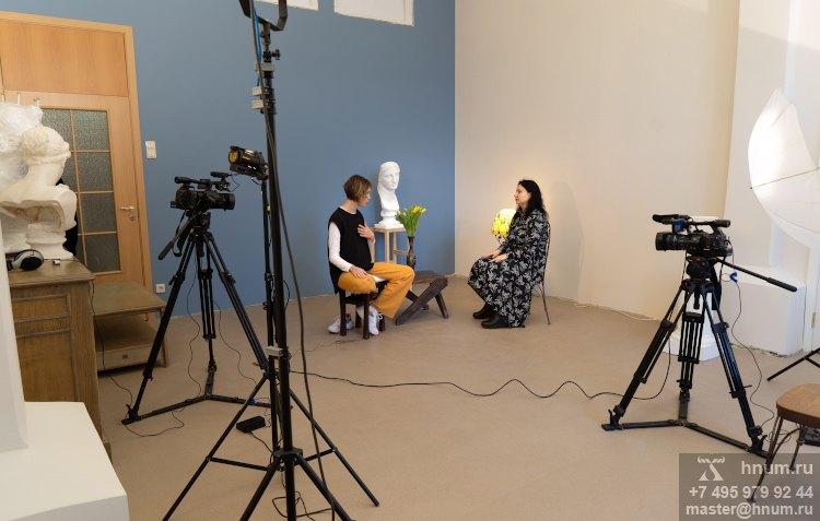 Студия в аренду с коллекцией скульптуры для фото- видеосъёмок, занятий, мероприятий