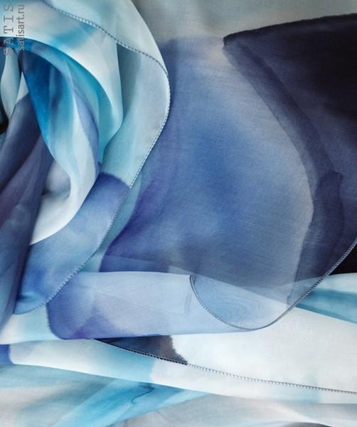Палантин из натурального шелка «Оттенки синего» (батик, ручная роспись)