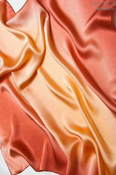 Платок из натурального шелка «Коралловый» (батик, ручная роспись)