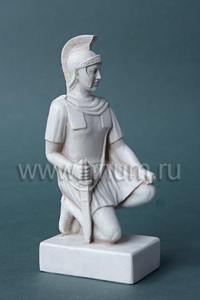 Декоративная гипсовая скульптура Римский легионер - Коллекция: Античная скульптура (скульптура Древнего Рима)