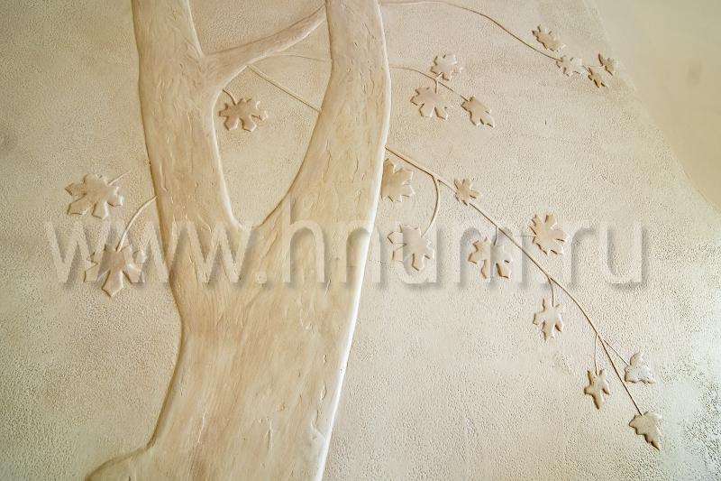 Декоративная штукатурка с росписью на стене в холле двухуровневой квартире - на заказ - художественная мастерская БМ ХНУМ