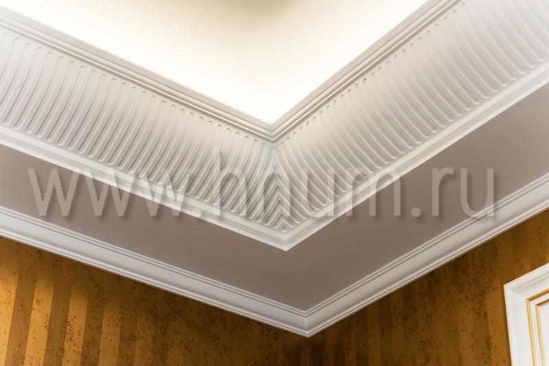 Дизайн потолков с карнизом фото