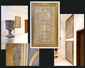 Декоративные панно из декоративных штукатурок и покрытий в интерьере частного загородного дома