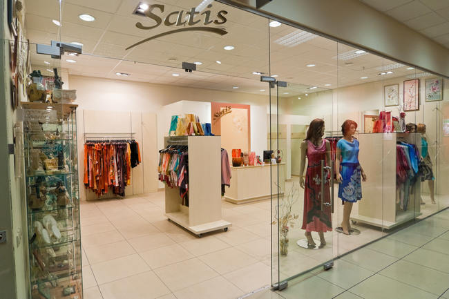 Оформление интерьера салона-магазина Сатис в Москве