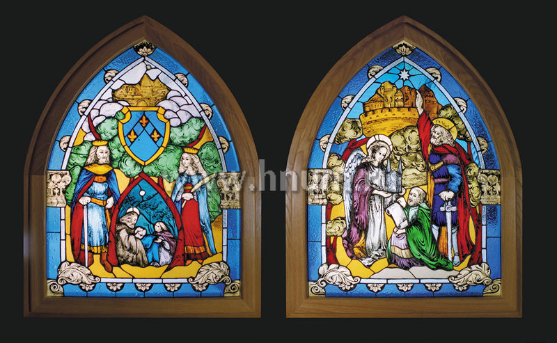 Витражная ниша в псевдо-готическом стиле с художественной росписью - изготовление витражных ниш и панно на заказ