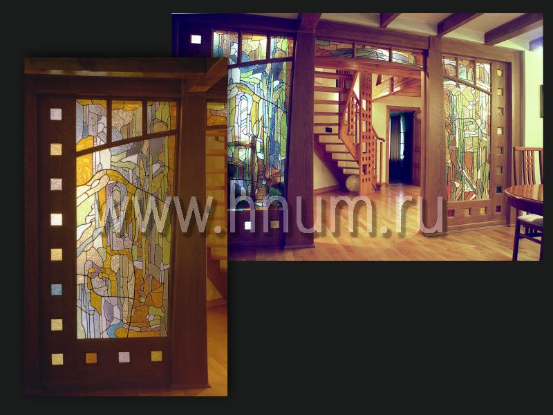 Витражная перегородка стационарная из дерева в загородном доме - изготовление витражных перегородок на заказ