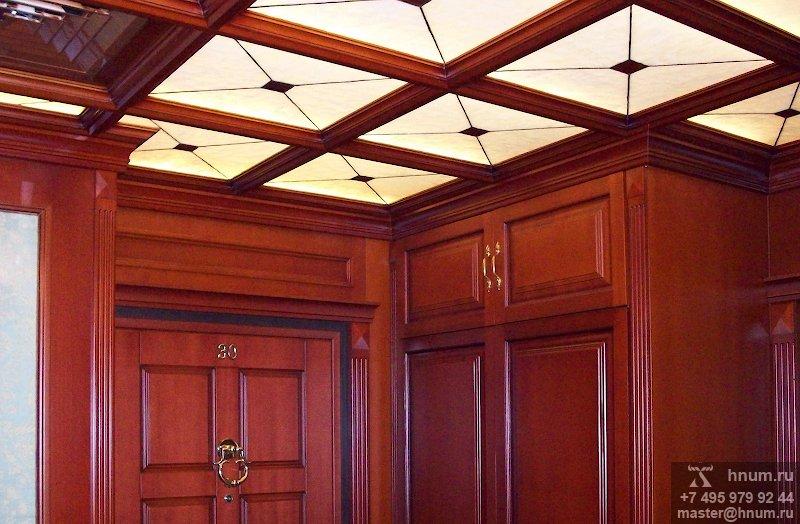Кессоный витражный потолок в парадном холле квартиры - изготовление на заказ - витражная мастерская БМ ХНУМ