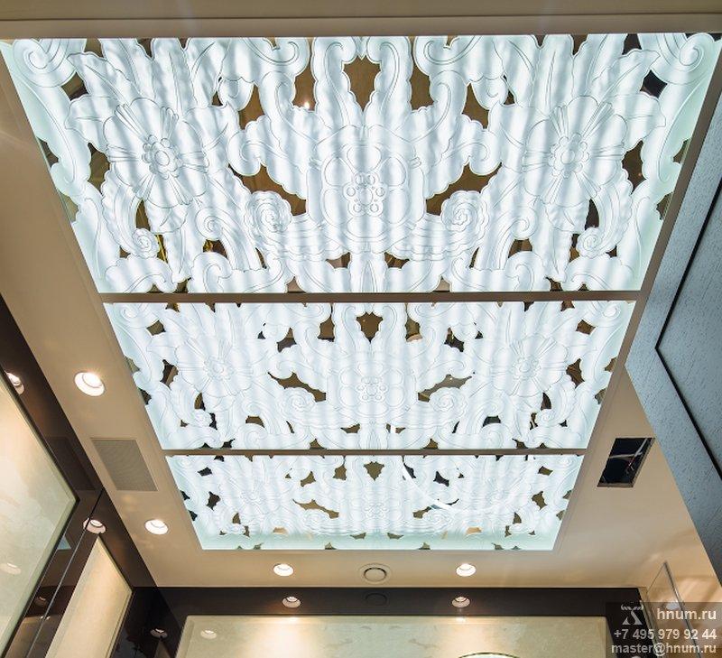Потолочные плафоны из зеркала со сквозным пескоструйным рисунком в силе ар-деко - изготовление на заказ -витражная мастерская БМ ХНУМ