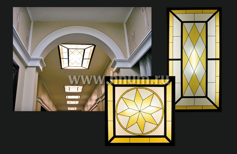 Витражные плафоны-светильники в коридоре общественного интерьера - изготовление витражных потолков на заказ