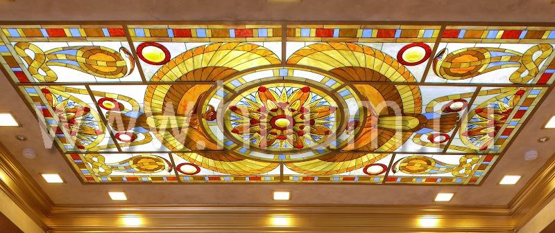 Витражный потолок тиффани в стиле ар-деко по египетским мотивам «Египетская сказка» (фотография)